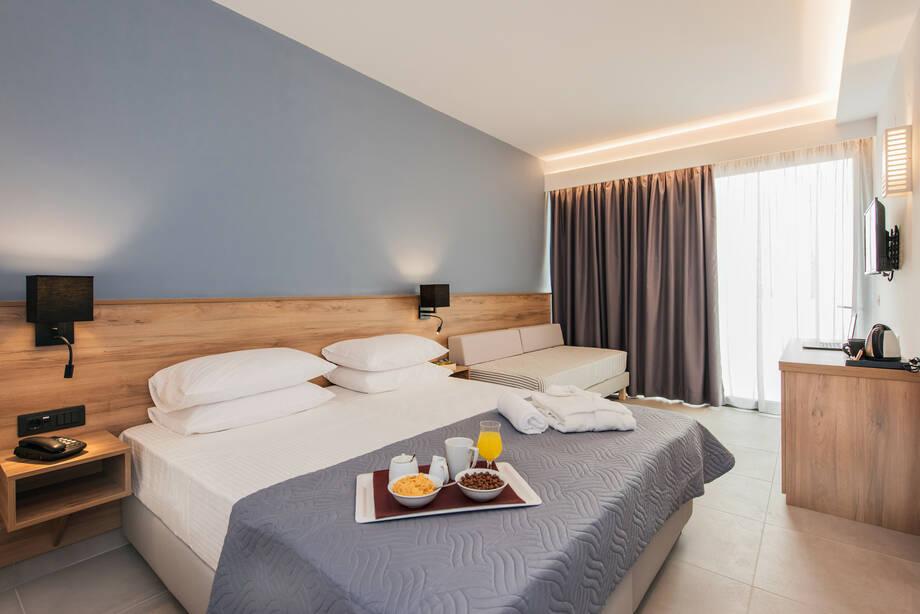4* Hotel Amounda Bay