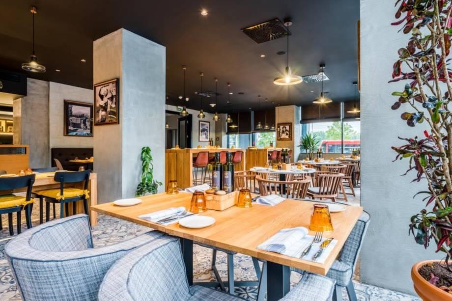 Twin City Liner & 4* Park Inn by Radison Bratislava