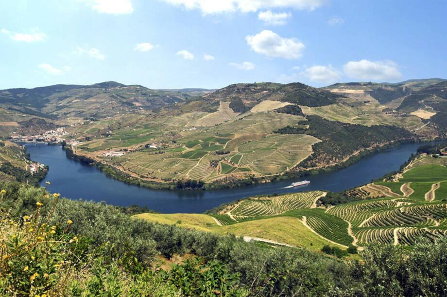 5* MS Douro Serenity - Auf dem Rio Douro durch das Tal des Portweins – mit Tamara Trojani & Maestro Konstantin Schenk