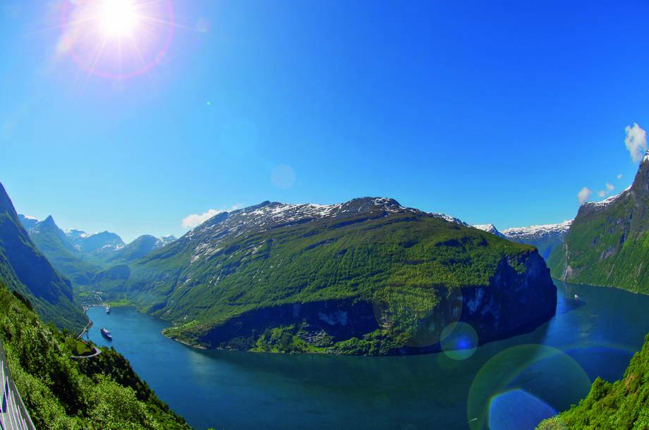 4*+ MSC Meraviglia Norwegische Fjorde inkl. Flug Entdecker Special