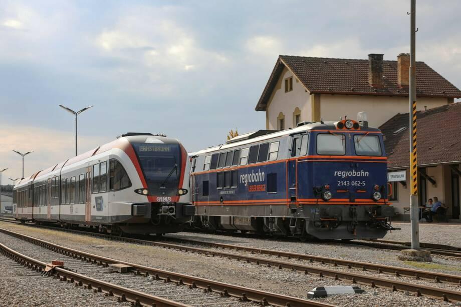 Dampfsonderzug - 14. Oldtimer Treffen auf Straße & Schiene