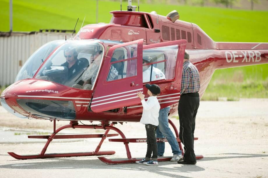 Dampfsonderzug - Oldtimer & Hubschrauber