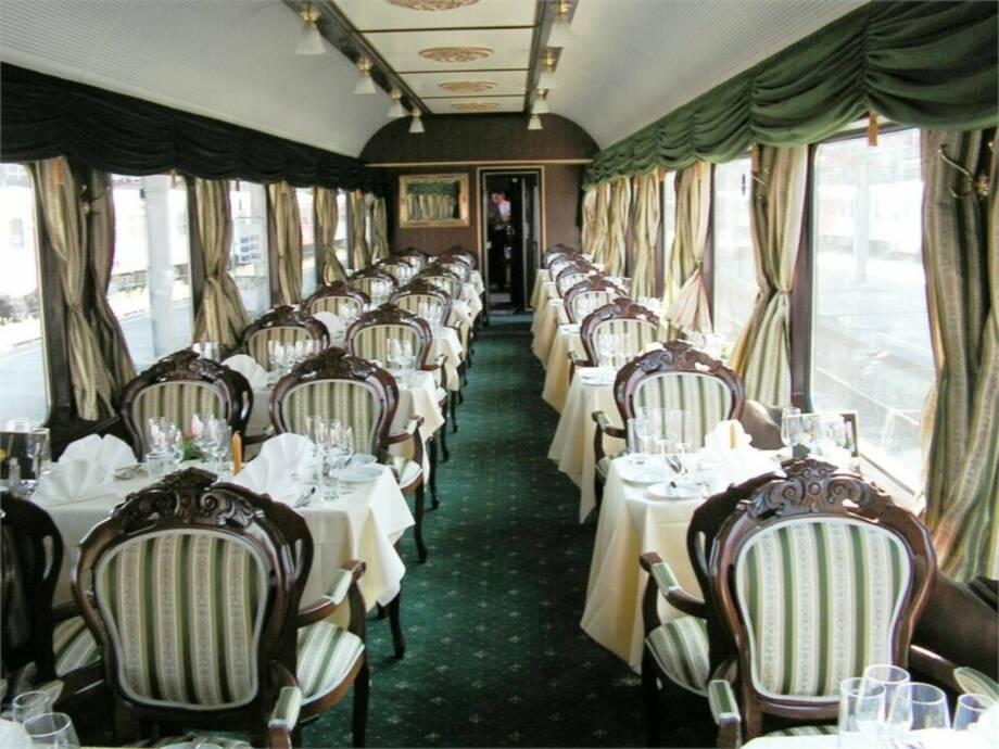 Tagesfahrt im Salonzug zur Sonnwendfeier in die Wachau