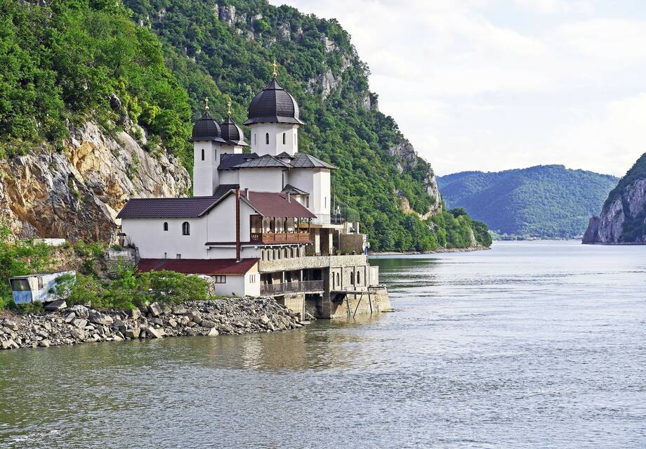 4* MS Nestroy - Auf der Donau von Wien ans Schwarze Meer